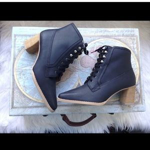 Leather Vintage Style Boots with Wooden Heel